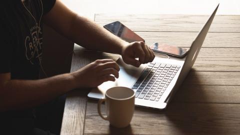 laptop-contact.jpg